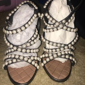 37C Chanel lambskin quilted pearl sandals  (khaki)